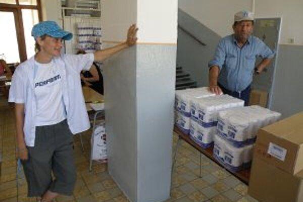 Ľudia, ktorí majú na potraviny nárok, ich v Prievidzi mohli získať už dnes.