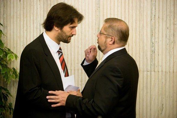 Robert Kaliňák sa dostal do sporu s bývalým kolegom z vlády.