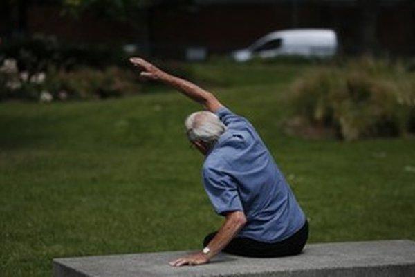 Vo verejnom zdravotnom poistení sa očakáva rýchlejší rast podielu seniorov.