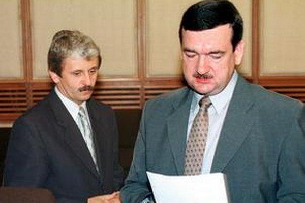Ľudovít Černák bol ministrom hospodárstva v prvej vláde Mikuláša Dzurindu.