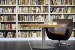 Viacero knižníc na svojej  pôde umožnilo tvorcom časopisu organizovať  diskusie.
