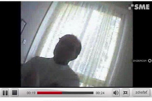 Video s lekárom, ktorého súd potrestal.
