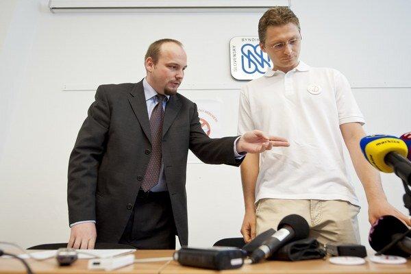 Na snímke Anton Chromík (vľavo).