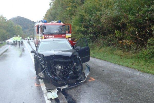 Jedna z dopravných nehôd, ktoré sa stali ne hlavnej ceste kúsok od obce Udiča.