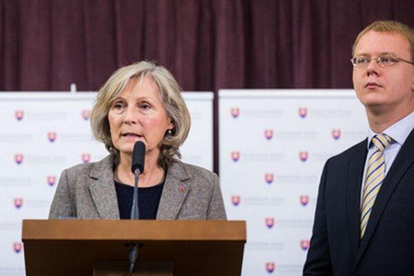 Kandidátka na primátorku Bratislavy Kratochvílová a poslanec Beblavý.