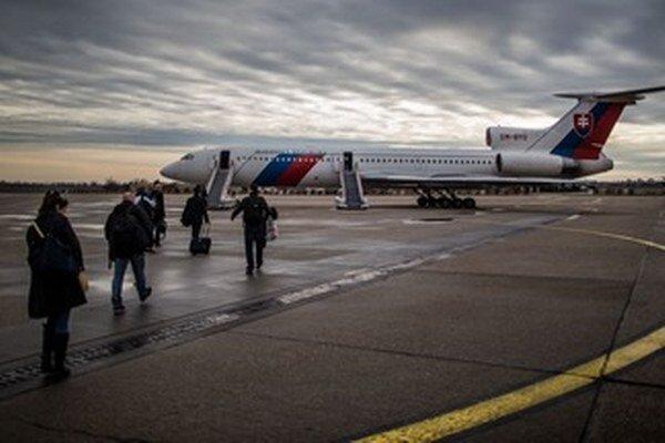 Vládny špeciál na letiskovej ploche v Bratislave.