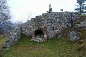 Zrúcanina Liptovského hradu.