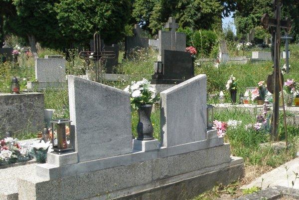 Cintorín v Šali je od dnešného dňa v dopoludňajších hodinách pre verejnosť zatvorený.