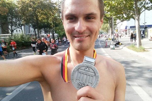 Ján Raclavský odbehol si maratón v Berlíne pochvaľoval.