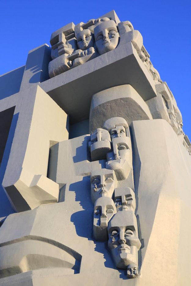Pomník všetkým politickým väzňom v Magadane.