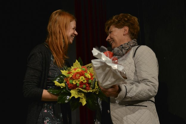 Alena Kelemenová (vpravo)