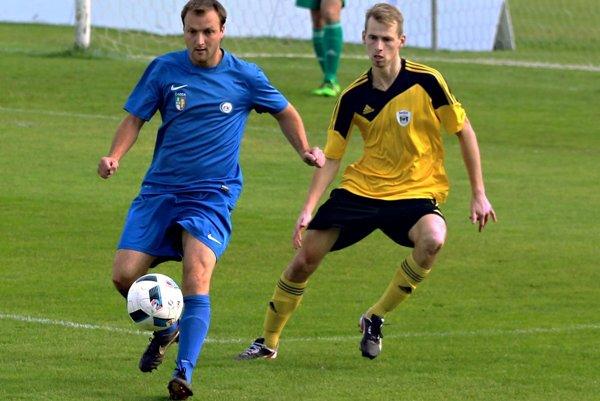 Premiérový gól Martina Buckulčíka (vpravo) v drese MŠK bol v súboji proti Čadci zároveň aj víťazným.