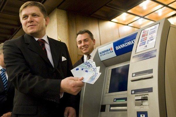Euro politikov spojilo.