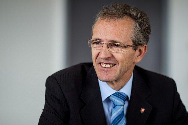 SDKÚ chce v eurovoľbách najmenej dva mandáty, ostatné by bol podľa Ivana Štefanca neúspech.