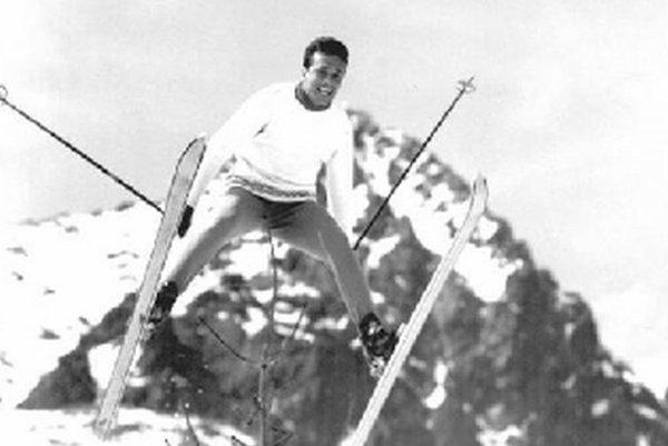 Laci Zacharides a jeho srandičky na lyžiach.