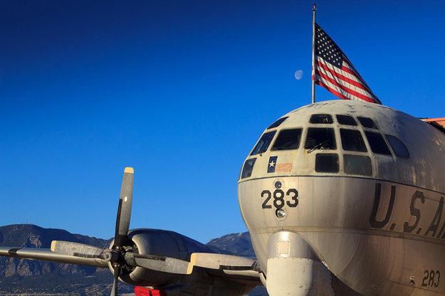 Bývalý lietajúci tanker Boeing KC-97 sa od roku 2002 premenil na reštauráciu.