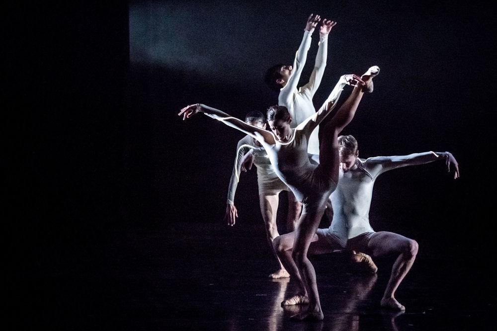 SVET UMENIA, 1. miesto - TOMÁŠ BENEDIKOVIČ, séria Slovenské tance