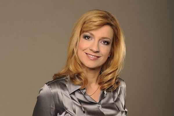 Jarmila LajčákováHargašová (47) pracovala vo viacerých médiách. Má dve dcéry a momentálne moderuje športové správy v RTVS.