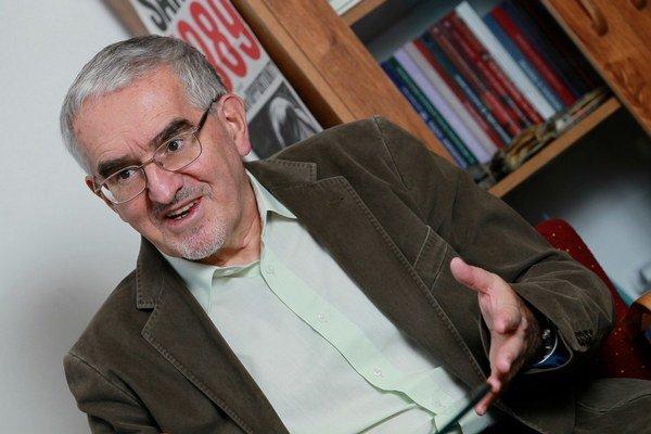 Martin Bútora má šéfovi NATO navrhnúť, ako by mohla organizácia prehĺbiť vzťahy.