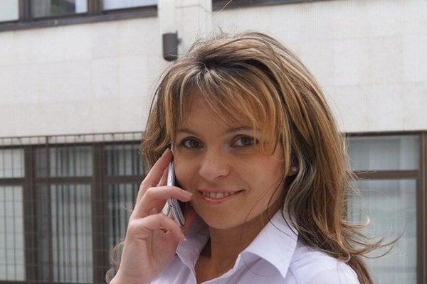 Helena Mezenská a jej mobil naopak – prvý príklad ľudovej tvorivosti.