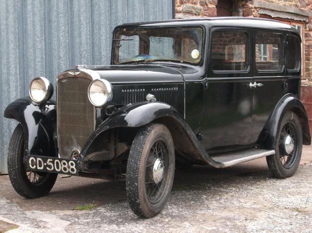 Prvý väčší úspech prišiel v roku 1932 s modelom Hillman Minx. Tento názov sa udržal až do 60. rokov.