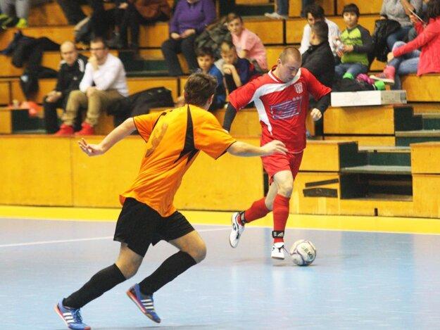 V piatok 6. 1. 2017 ožije mestská športová hala súbojmi futbalistov zo Šale a okolia.