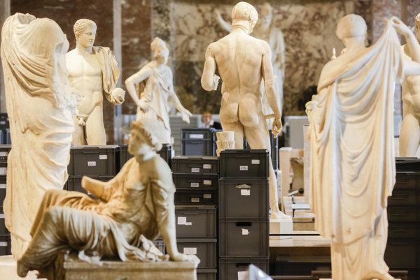 Louvre potrebuje sklad pre umelecké diela, keď jeho budovu ohrozujú záplavy.