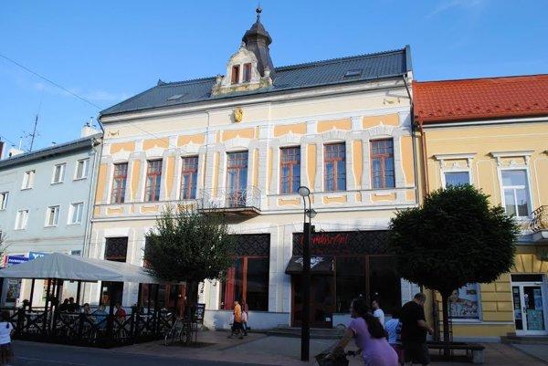 Kultúrna pamiatka vcentre mesta. Mala by tu vzniknúť galéria, depozitár apriestory pre turistickú informačnú kanceláriu.