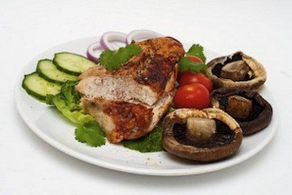 Napríklad chudé mäso a šampiňóny sú dobrým zdrojom vitamínu B3.