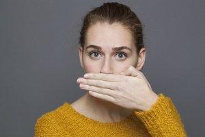 Páchnuci dych trápi každého štvrtého človeka.
