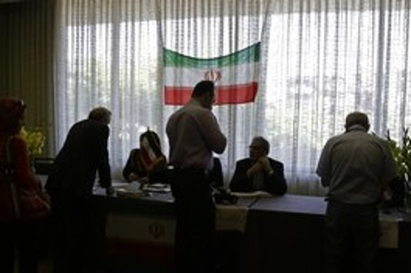 Zatýkanie v Iráne zrejme súviselo s nervozitou pred prezidentskými voľbami.