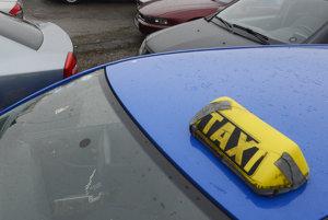 Colníci kontrolovali taxislužby.