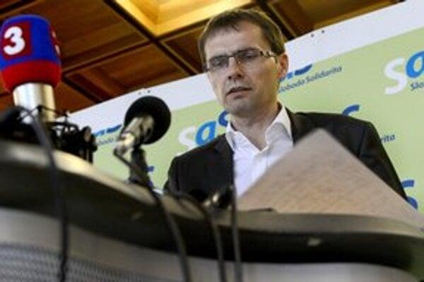 Bývalý minister obrany si opozíciu nezískal.