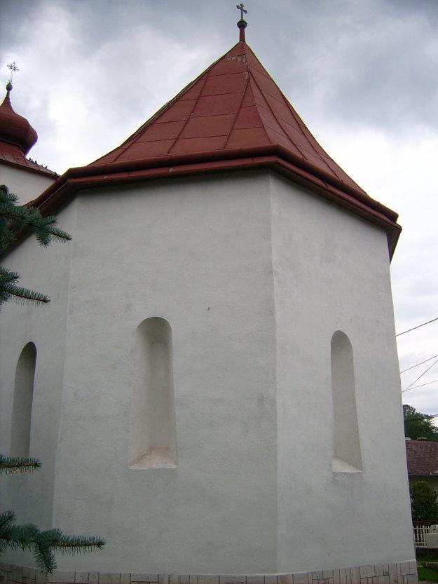 Takto vyzerá chrám z východu.