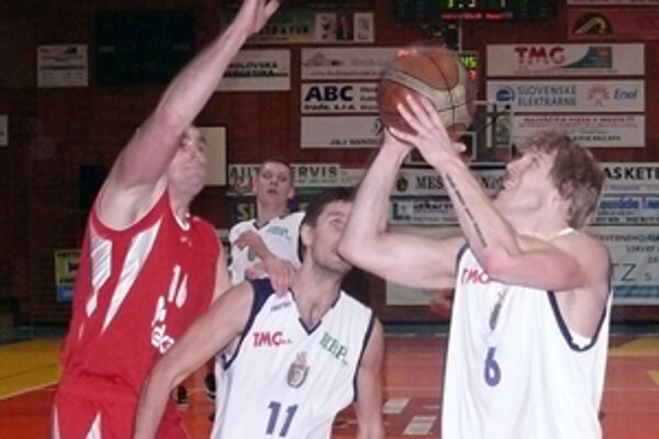 Róbert Nuber si ešte musí od basketbalu oddýchnuť.