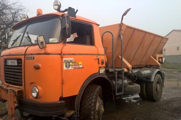 Vozidlo Mestského podniku služieb Šurany