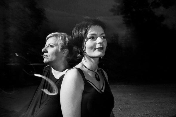 Tara Fuki. Dorota Barová a Andrea Konstankiewicz-Nazir.