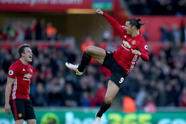 Súd rozhodol v prospech Zlatana Ibrahimoviča (vpravo).