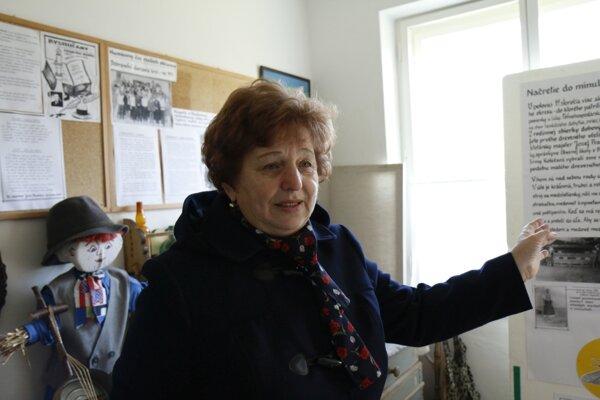 Helena Kmeťová zriadenie pamätnej izby iniciovala a návštevníkov v nej aj sprevádza.