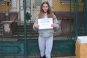 Body fitnesska Cyntia Adamcová. Gymnazistka zRožňavy získala ocenenie od Zdenka Trebuľu, predsedu KSK.