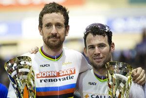 Bradley Wiggins (vľavo) a Mark Cavendish.
