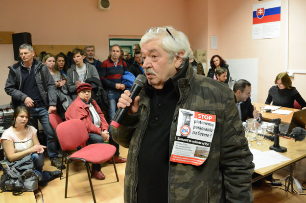 Exposlanec Severu Jozef Horváth. Tvrdil, že pred voľbami nik z poslancov Sever spoplatniť nechcel, takže na to nemajú mandát.