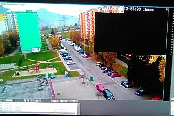 Takto vidí sídlisko mestská polícia cez kameru.