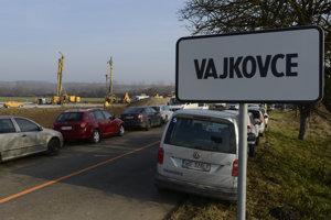 Pracovisko pri obci Vajkovce.