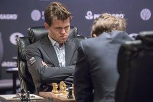 Magnus Carlsen vyhral desiatu partiu.