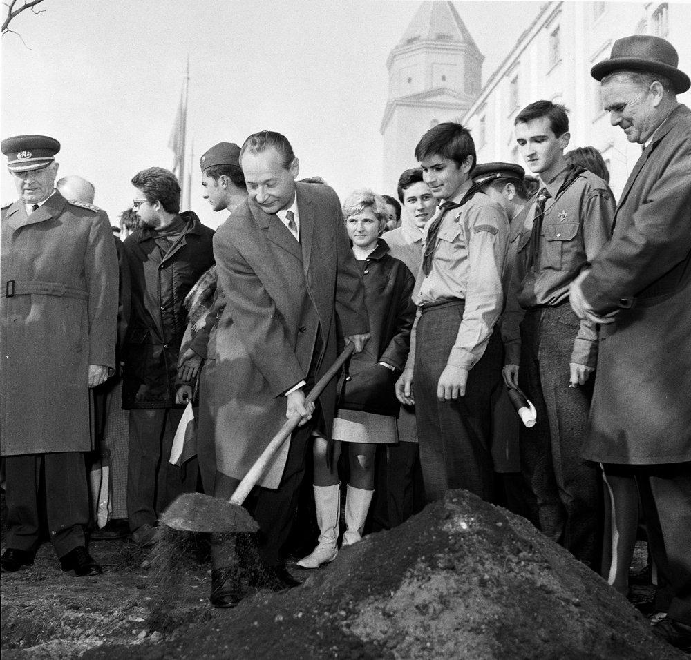 Dubček a Svoboda boli symbolmi Pražskej jari. Svoboda, žiaľ, aj symbolom normalizácie.