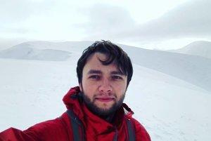 Mladý dobrodruh súťaží o miestenku na zimnú expedíciu.