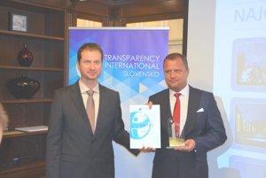 Martin získal cenu za transparentnosť.