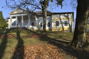Kúria s parkom v Župčanoch, ktorá čaká na rekonštrukciu.