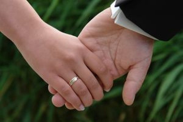 Dani sa možno vyhnúť napríklad vtedy, ak medzi manželmi rozdelený príjem bude aspoň u jedného z nich nižší, ako je limit príjmu, do ktorého daňovník nie je povinný podať daňové priznanie.